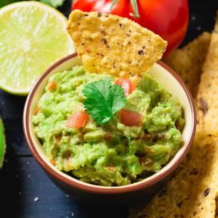 Avocado zubereiten: Guacamole-Dip