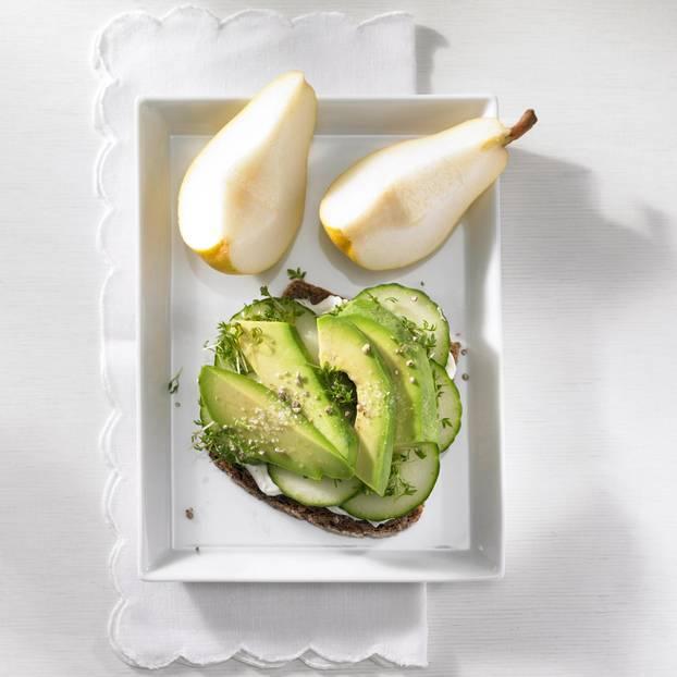 Avocado-Gurken-Brot