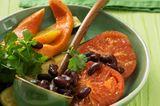 Zucchini-Curry mit Avocado-Dip