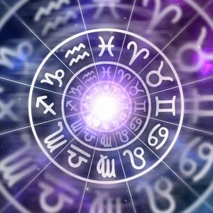 Horoskop heute: Die Sternzeichen-Symbole in einem Kreis