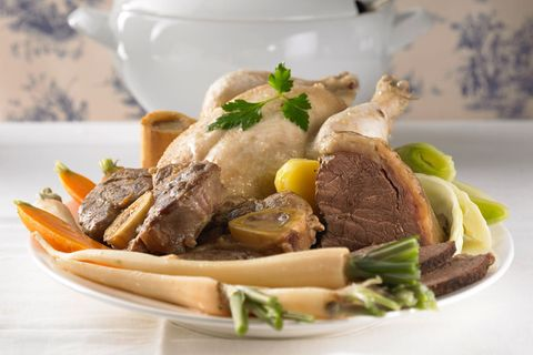 Pot-au-feu - Gekochtes Fleisch mit Gemüse
