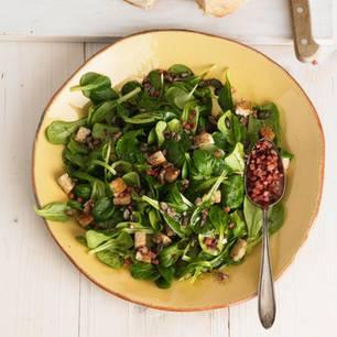 Feldsalat mit Speck und Kracherle