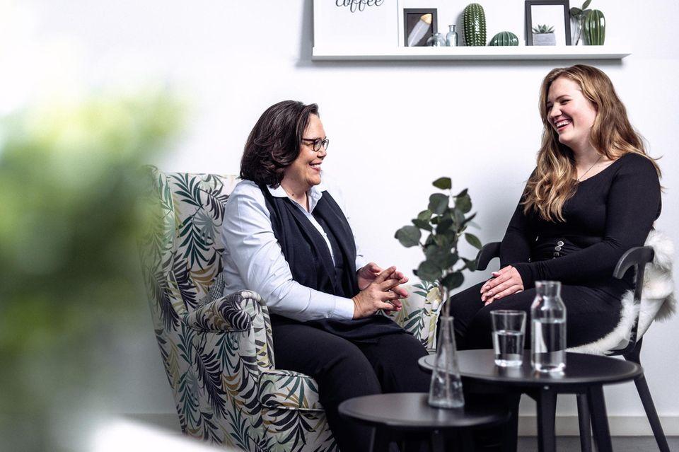Wenn die eigene Mutter mit im Hörsaal sitzt: Mutter und Tochter studieren