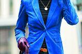 Modetrend Bourgeoisie: Alles andere als spießig! Knalliger Cord-Blazer über Rollkragenpullover