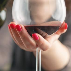 Abnehmen: Rotwein im Glas