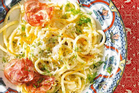 Zitronennudeln mit Fenchel und Pancetta