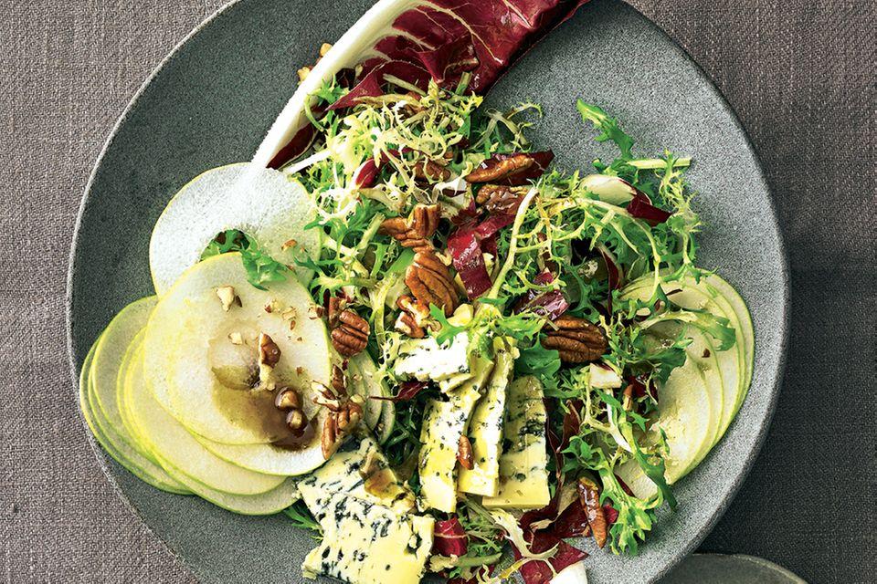 Wintersalate: Winter-Blattsalat mit Birne und Käse