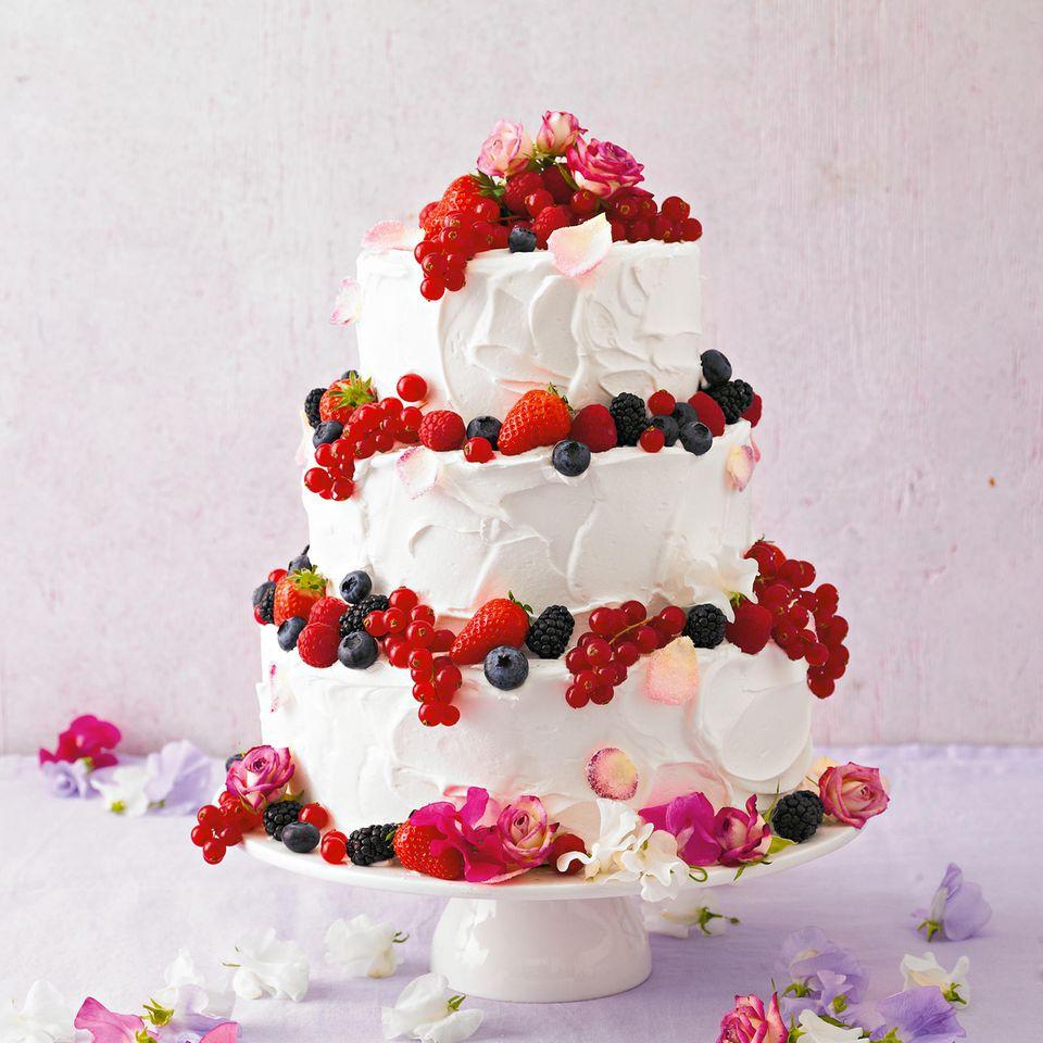 Eine dreistöckige Torte zum 60. Geburtstag