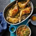Geschmorte Hähnchenkeulen mit Oliven und Mandeln
