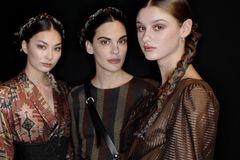 Designerin Lena Hoschek kennt die Mode-Trendfarben 2020 – und ihr werdet sie liiieben!