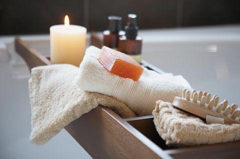 Luxus pur! : 15 Gadgets, um dein Badezimmer in ein Spa zu verwandeln