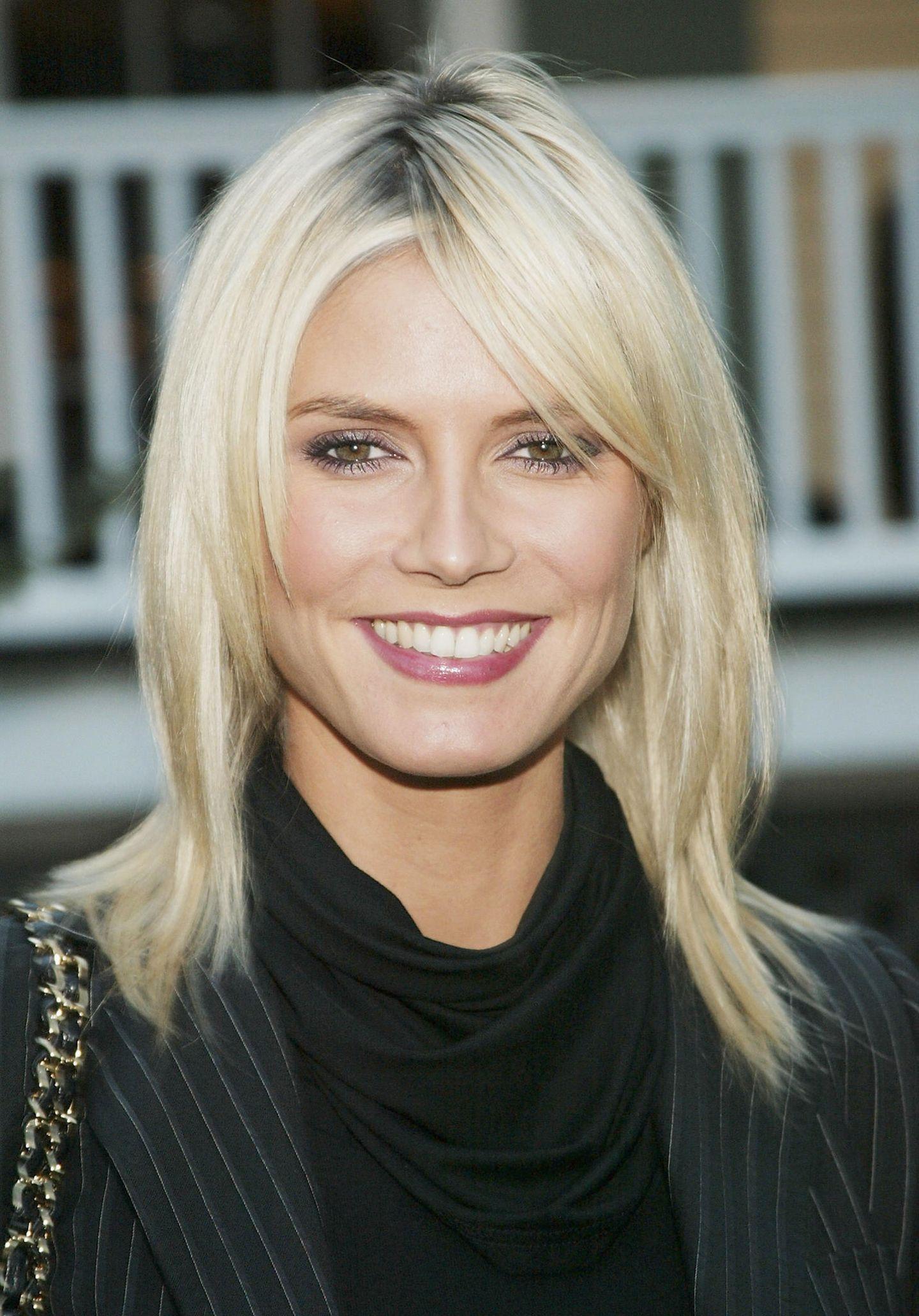 Heidi Klum: mit platinblonden Haaren