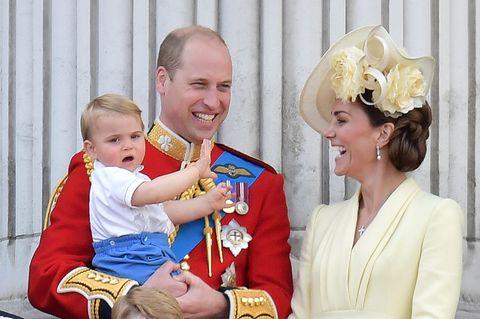 Herzogin Kate mit Prinz William und Kindern