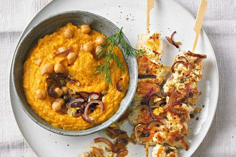 Hähnchen-Kebab und Möhrencreme