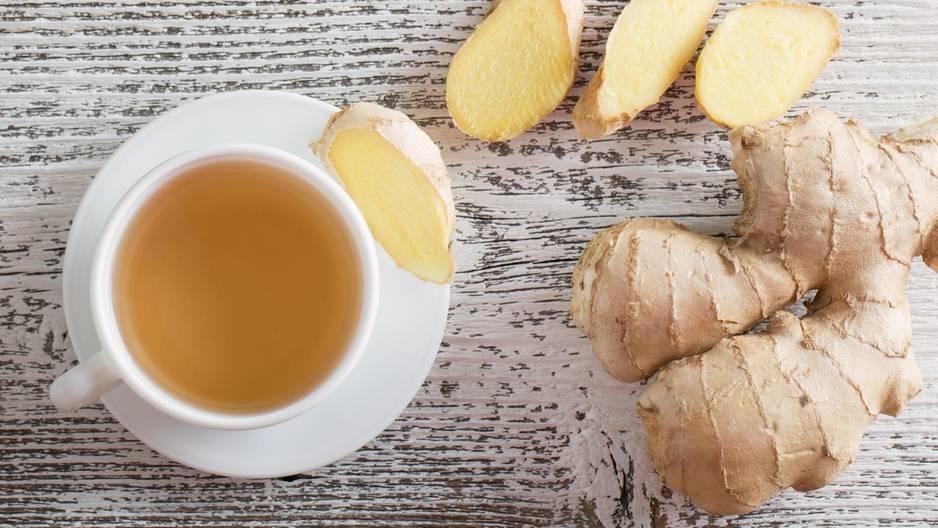 Darum ist zu viel Ingwer ungesund: Ingwer-Tee mit Ingwerwurzeln