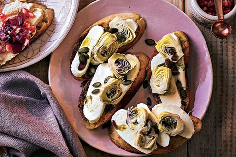 Artischocken-Büffelmozzarella-Bruschetta