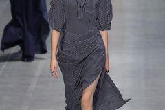 Modetrends Frühjahr/Sommer 2020: Das bleibt, das kommt: Marine-Look