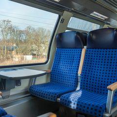 Der größte Keimherd im Zug: Kind am Tisch