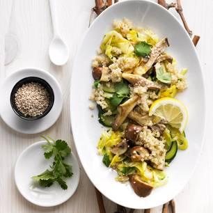 Pfannengerührtes Gemüse mit Quinoa