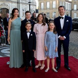 Prinzessin Mary + Prinz Frederik mit ihren Kindern