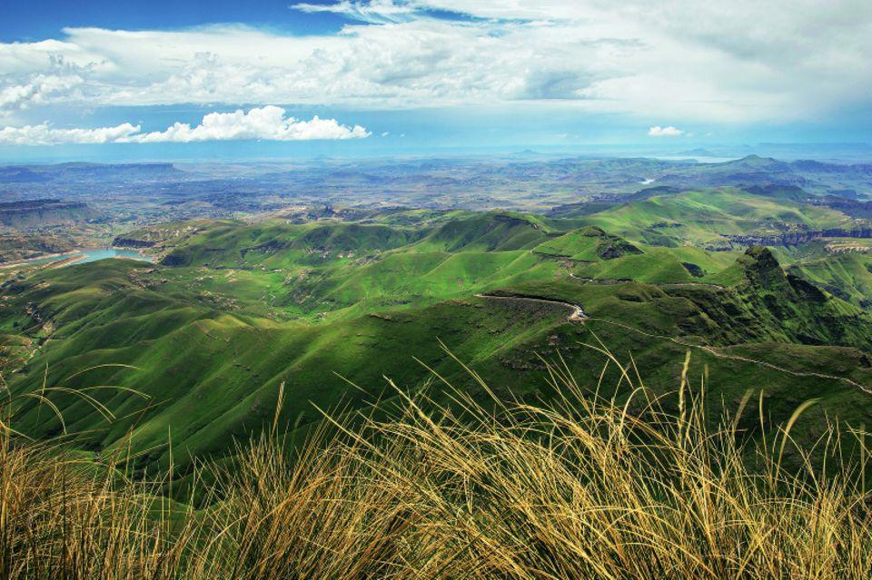 Drakensberge: Südafrika-Safari mal anders: Blick auf einen Stausee