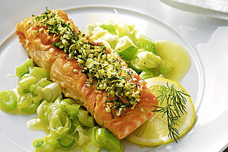 Wildlachs-Rezepte: Lachsfilet mit Mandel-Sprinkle