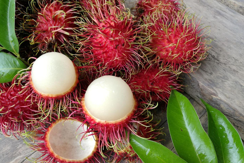Rambutan: Rambutans mit Schale