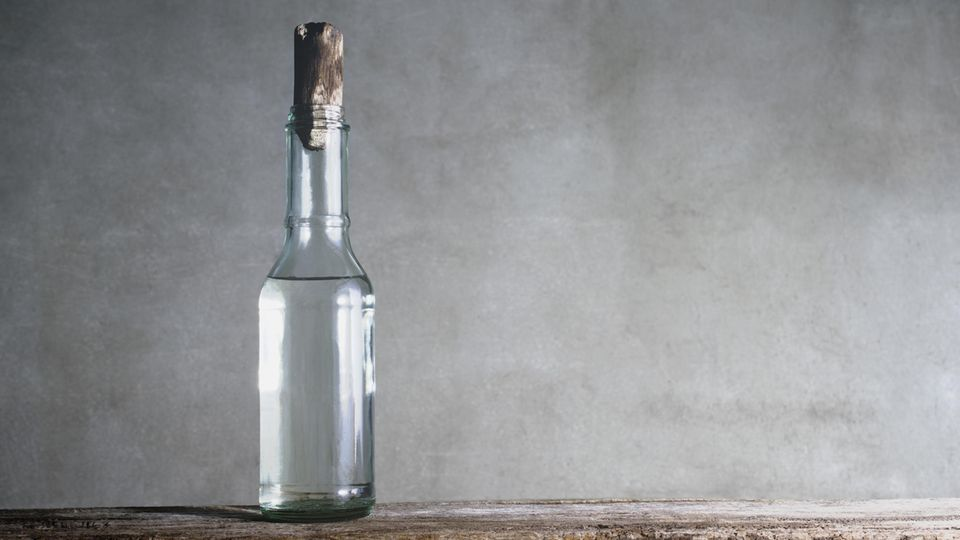Flasche klarer Essig