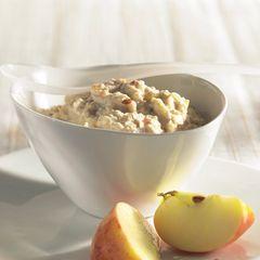 Bircher-Müsli mit Äpfeln und Nüssen
