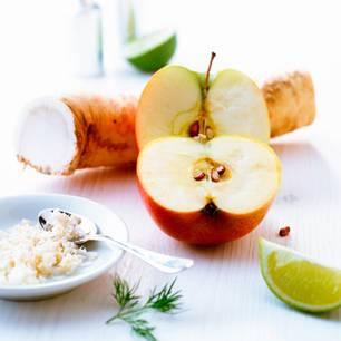Apfel und Meerrettich als ultimative Hausmittel-Geheimwaffe in der Erkältungszeit