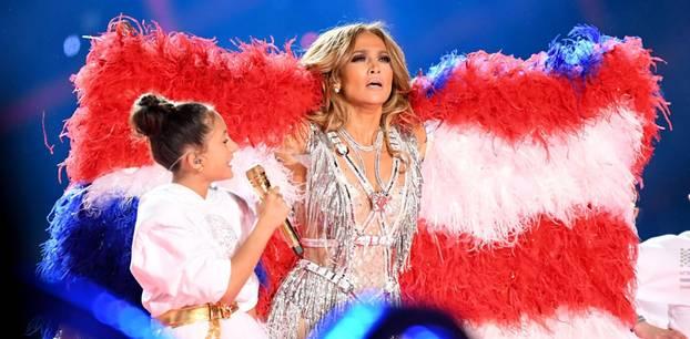 Super Bowl 2020: Jennifer Lopez überrascht mit Tochter Emme