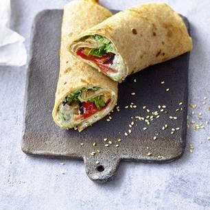 Wrap mit Zucchini-Zaziki und Grillgemüse