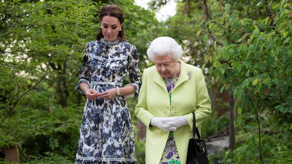 Eine Körpersprachen-Expertin verrät: Das denkt die Queen wirklich über Kate