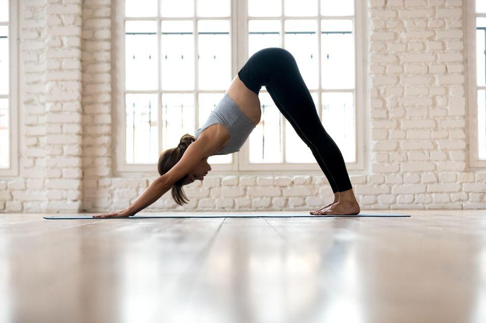Hatha Yoga: Herabschauender Hund