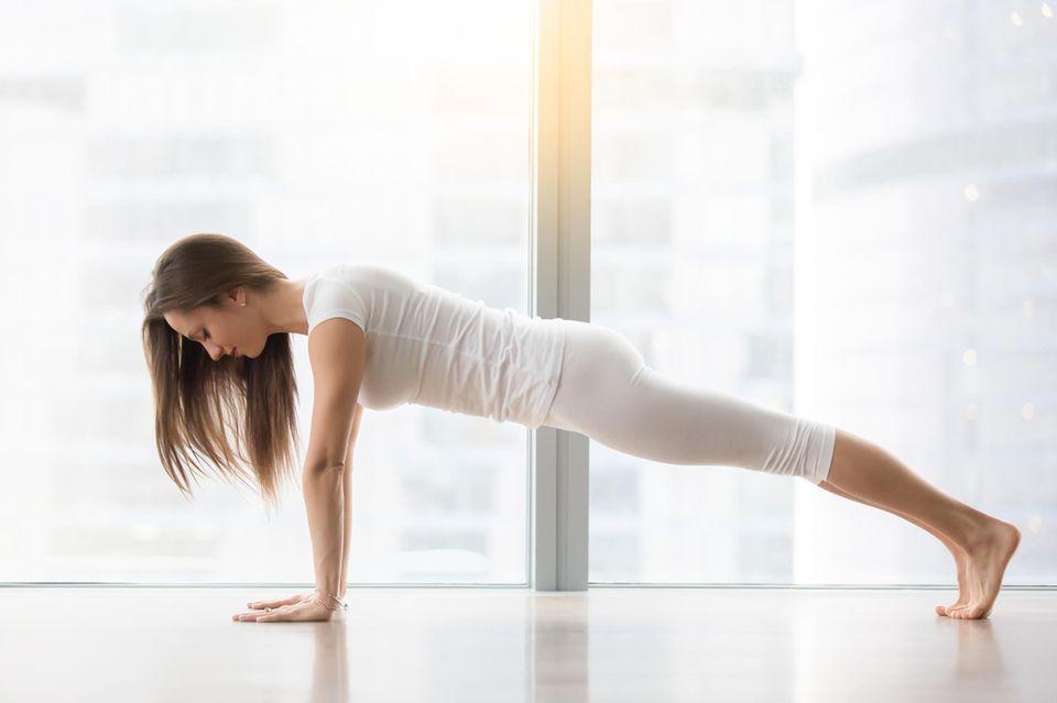 Hatha Yoga: Plank