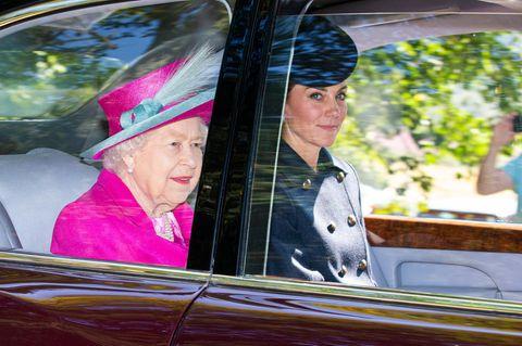 Queen Elizabeth: Was ihre Handtaschen-Position über ihre Laune verrät