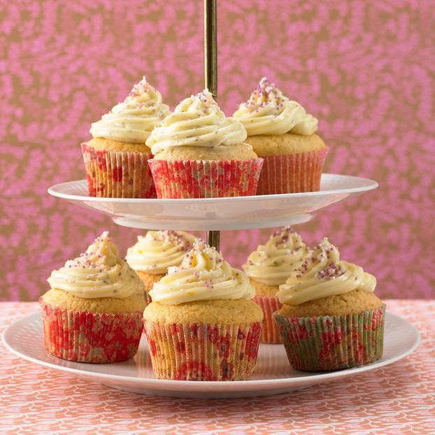 Mandel-Cupcake mit Lavendel-Creme