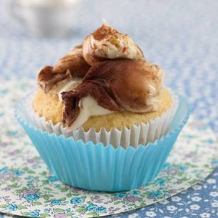 Mandel-Cupcake mit Chili-Schoko-Creme