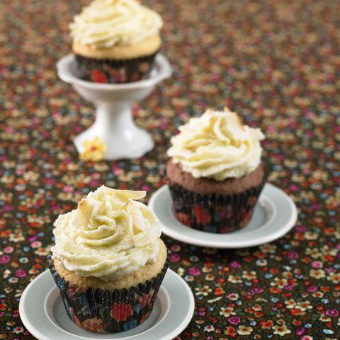 Mandel-Cupcake mit Kokos-Vanille
