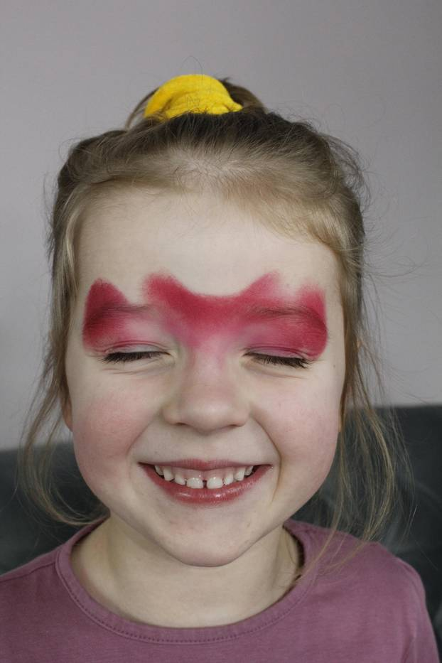Teufel schminken: Grundierung