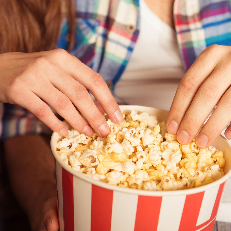 Fummeln im kino Yahoo ist