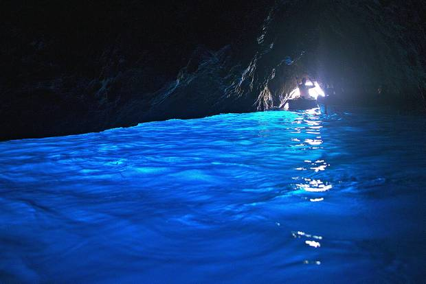 Le Isole: So schön sind Neapel, Capri und Co.: Capris blaue Grotte
