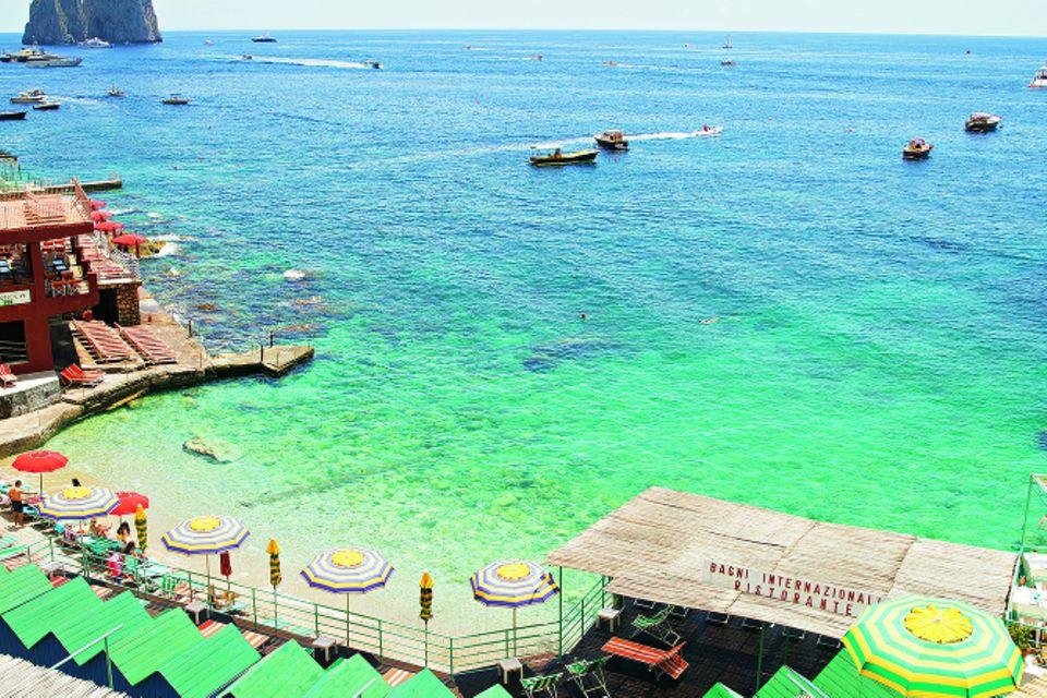 Le Isole: So schön sind Neapel, Capri und Co.: Bagni Internazionali