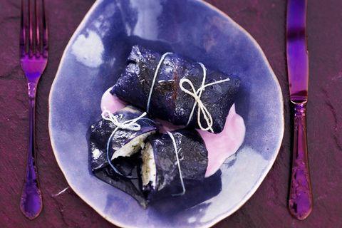 Knackige Rotkohlroulade mit Fisch