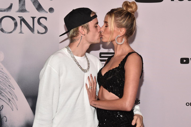 Hailey Bieber & Justin Bieber teilen bisher ungesehene Hochzeitsfotos