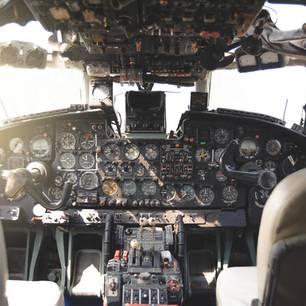 Cockpit eines Flugzeugs
