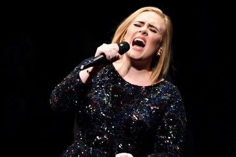 Adele: Spontaner Hochzeits-Auftritt