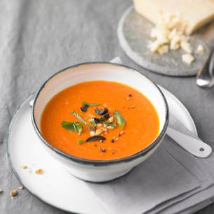 Tomatensuppe mit Oliven