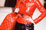 Chanel-Looks: Claudia Schiffer auf dem Laufsteg
