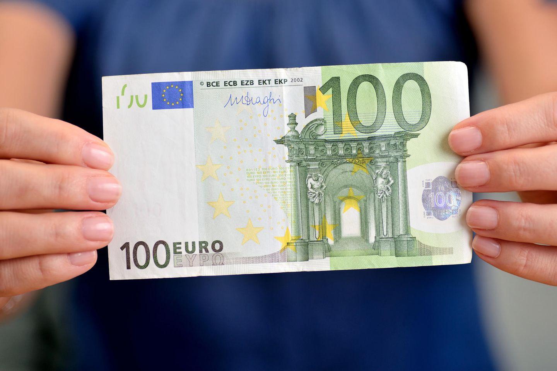 Super Trick! Warum du immer einen 100-Euro-Schein bei dir haben solltest